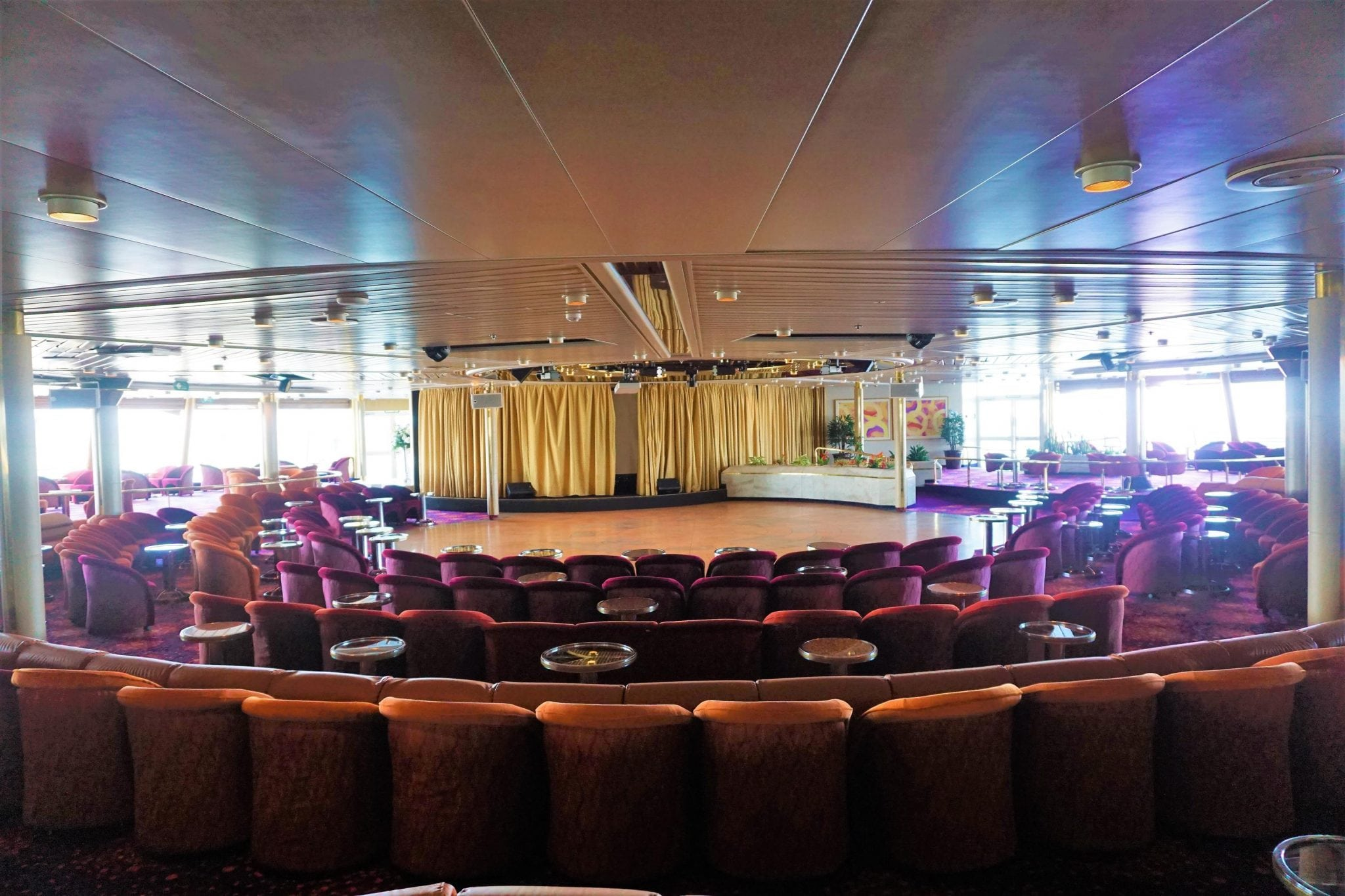Spectrum Lounge Stage Majesty of the Seas