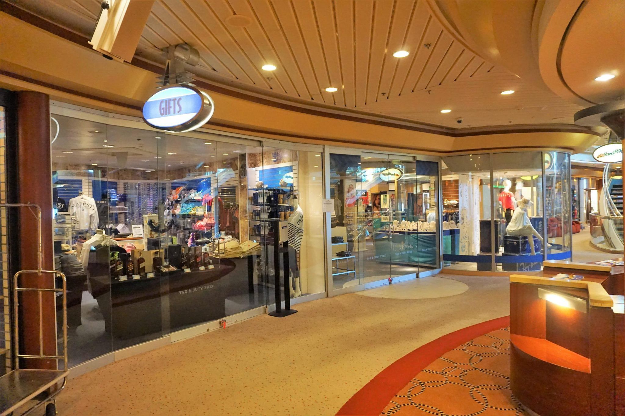 Shops on Majesty of the Seas
