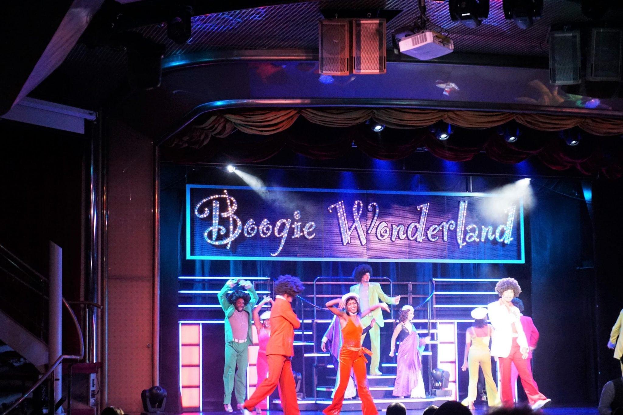 Main Theater Show on Mjesty of the Seas