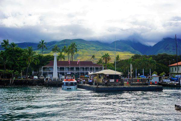 Docking in Maui