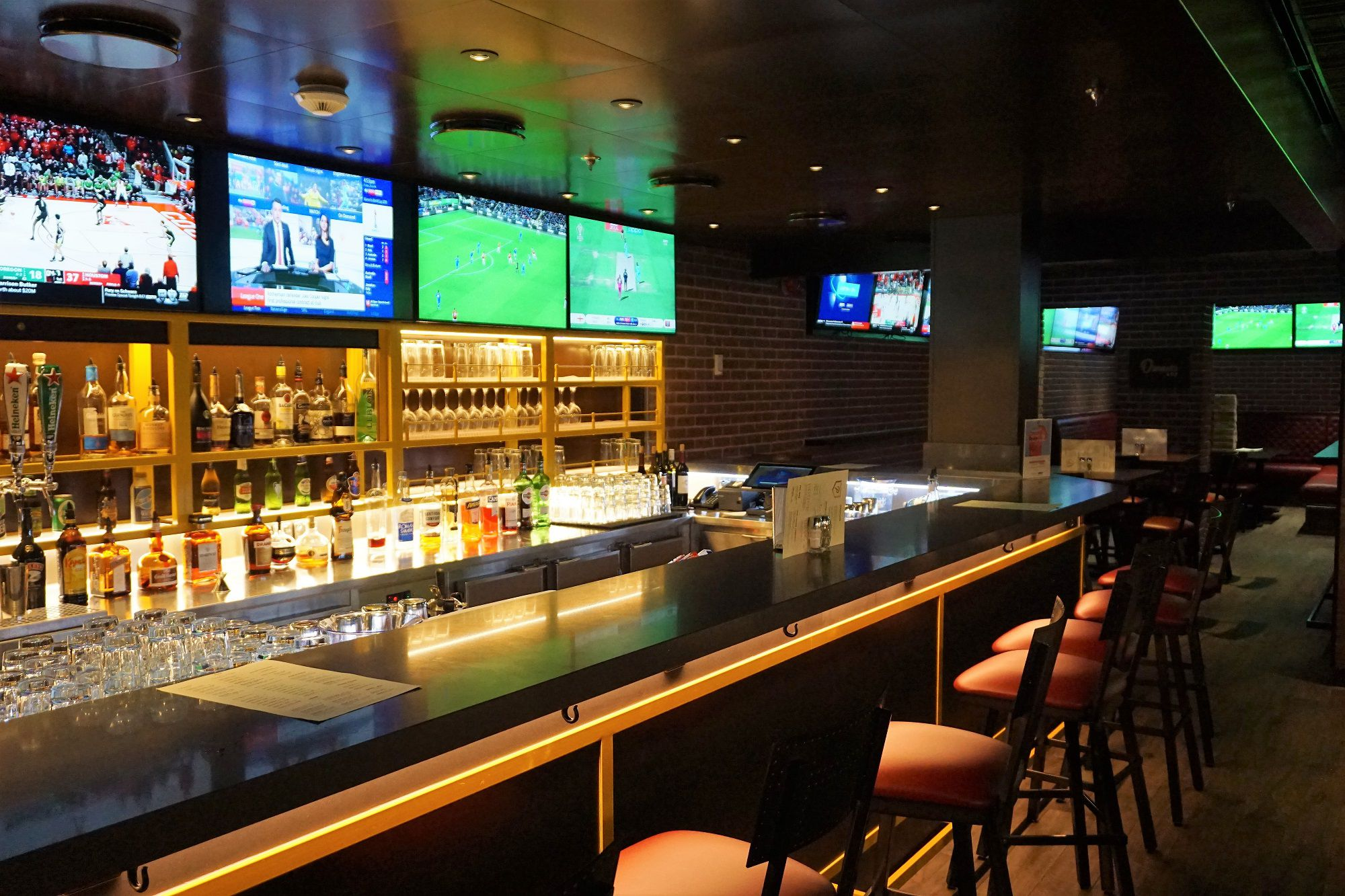 Bar at Playmakers Sports Bar and Arcade on Navigator of the Seas