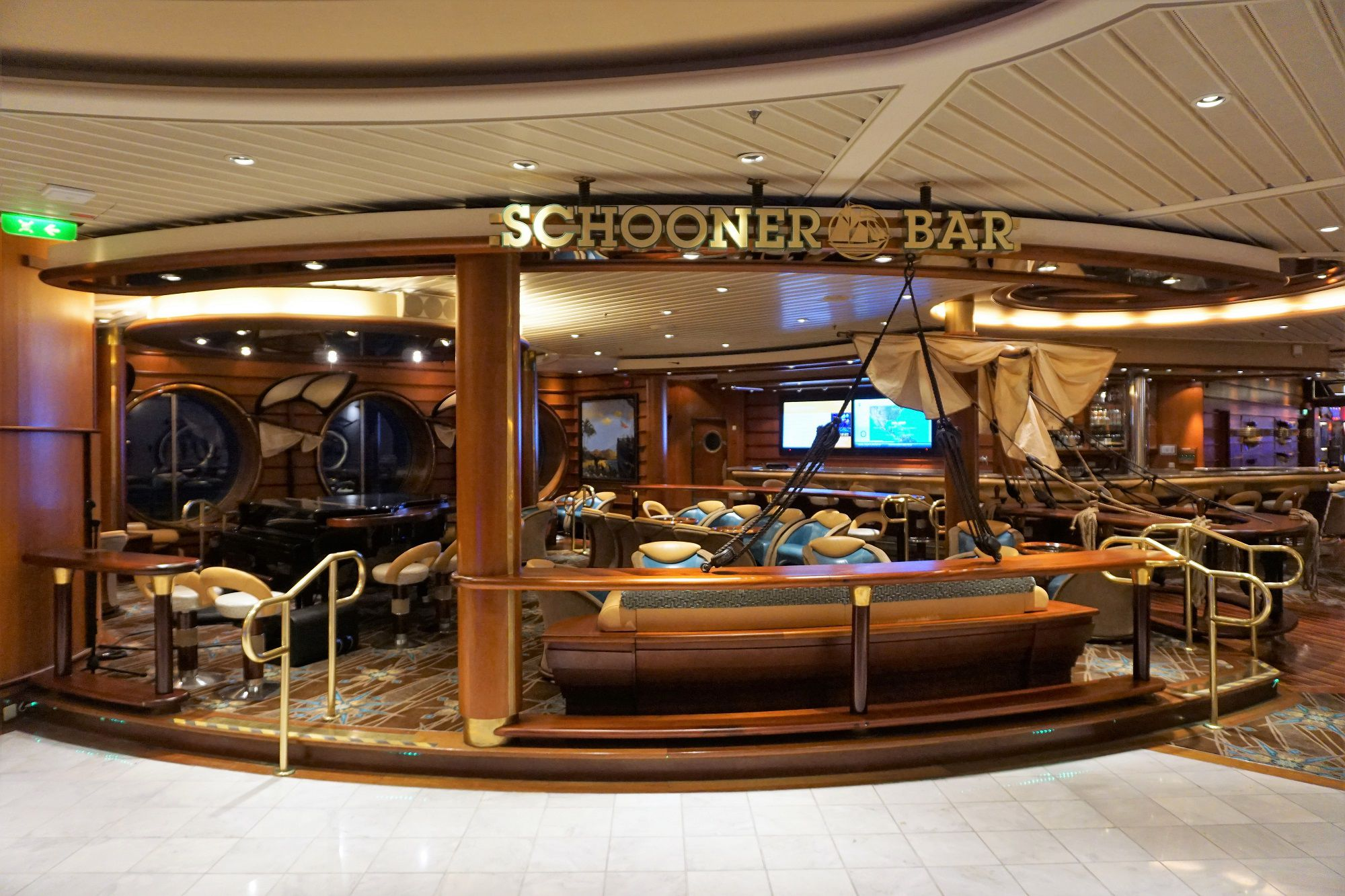 Schooner Bar on Navigator of the Seas