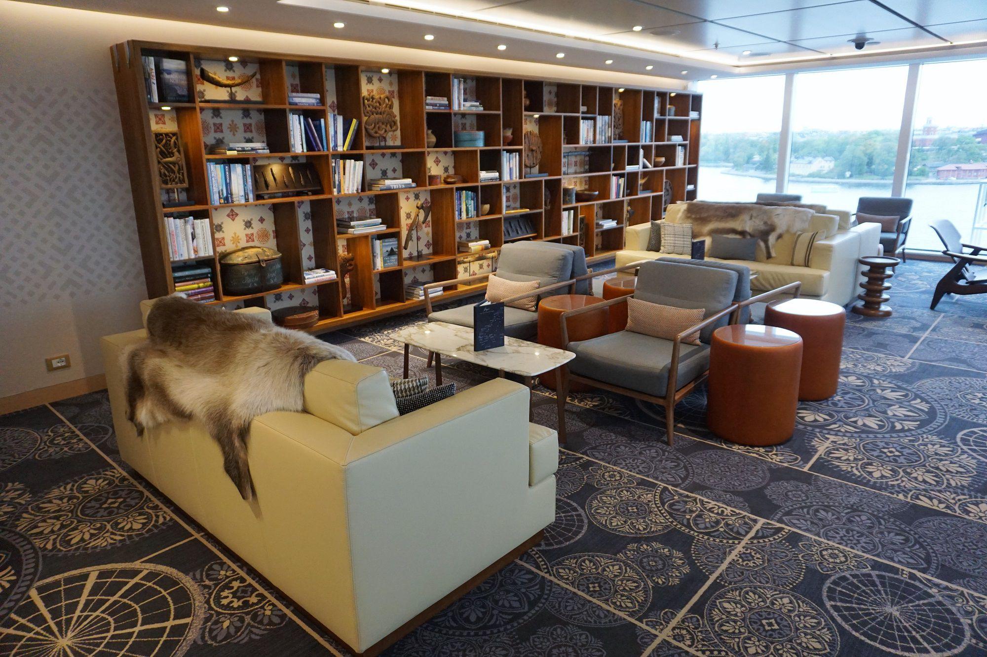 Explorers Lounge on Viking Jupiter