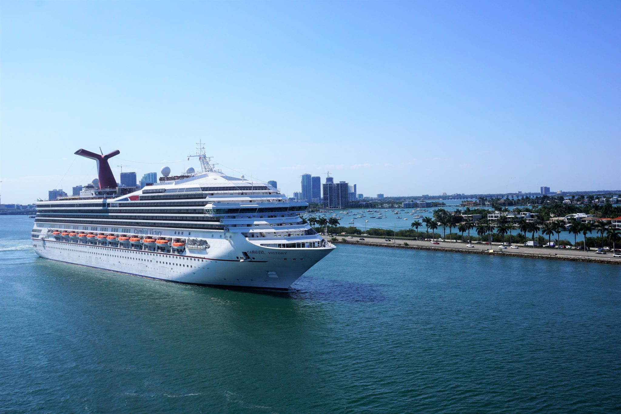 when cruise lines are expected to resume service