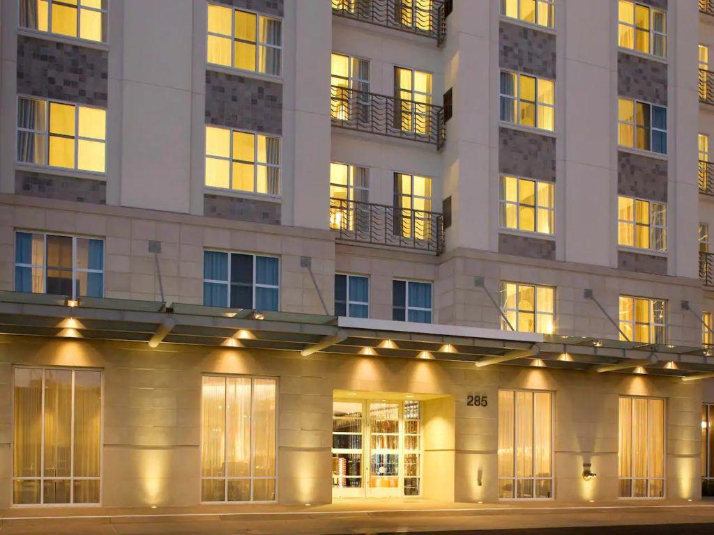 The Best Hotels Bear the Long Beach Cruise Port