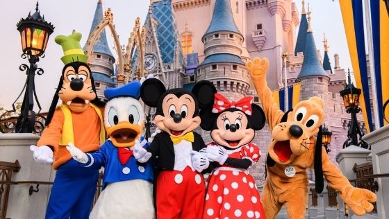 Pros and Cons of Visiting Walt Disney World in 2021
