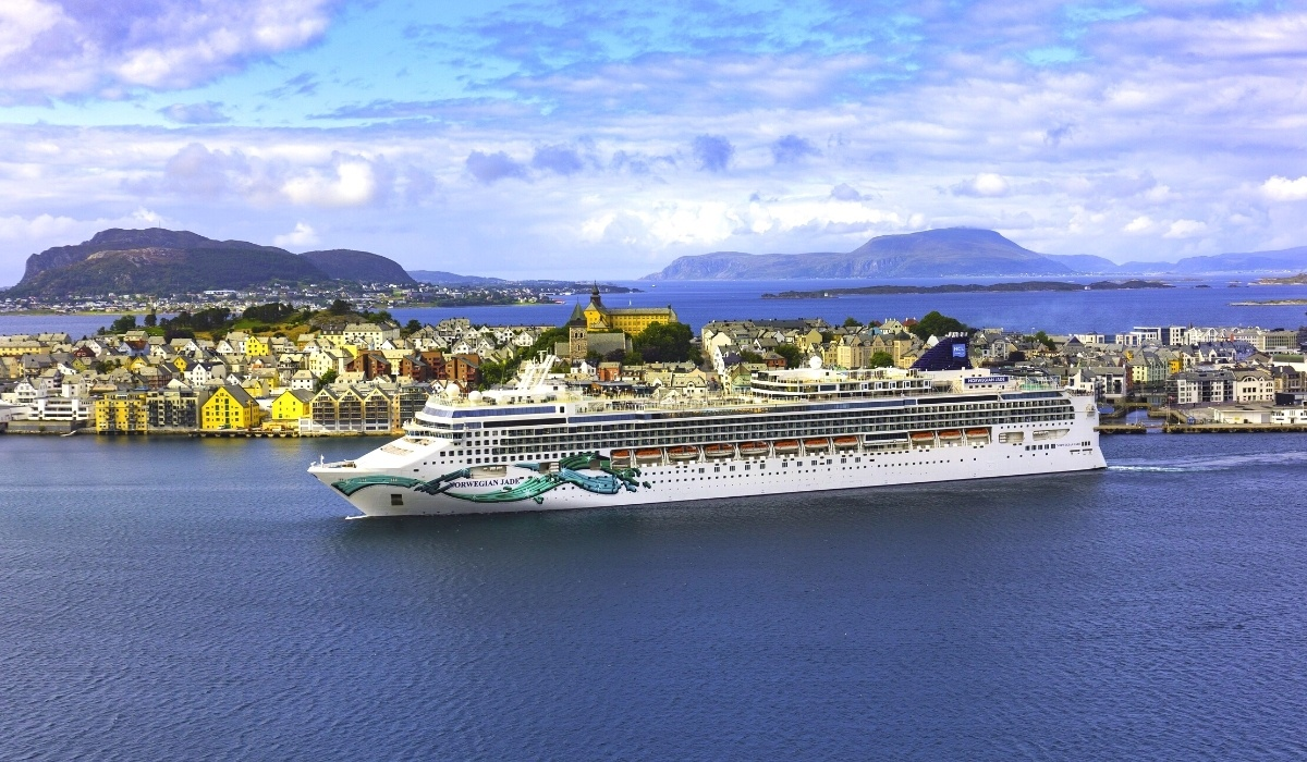 Which Cruise Lines Will Require a COVID Vaccine?