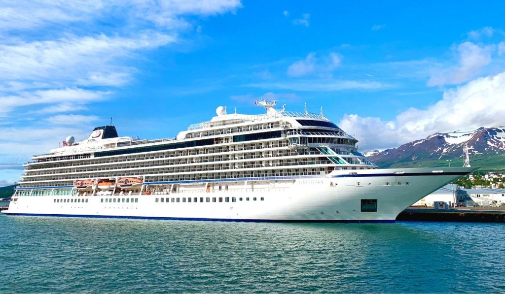 What Cruise Ships Are Sailing Right Now?
